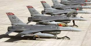 România nu are banii necesari achiziţiei de avioane F-16 şi s-ar putea angaja într-un astfel de contract doar în baza unei finanţări pe termen lung.