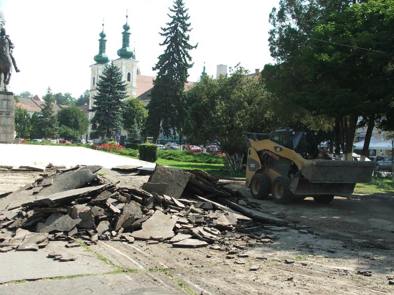 Primăria Tîrgu-Mureş va demara în perioada următoare o serie de lucrări pentru îmbunătăţirea aspectului şi infrastructurii municipiului.