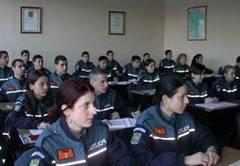 Poliţiştii din Sfântu Gheorghe care vor trece în subordinea autorităţilor locale în urma descentralizării vor fi ajutaţi să înveţe limba maghiară, dacă vor dori acest lucru.