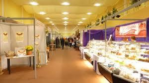 """Expoziţia """"Produs în Mureş"""" i-a atras la sfârşitul acestei săptămâni pe mureşenii interesaţi de brandurile locale."""