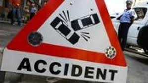 Două persoane şi-au pierdut viaţa în urma unui accident rutier petrecut in aceasta dupa-amiaza  pe Drumul European E 60, intre localitatile muresene Recea si Sanpaul.