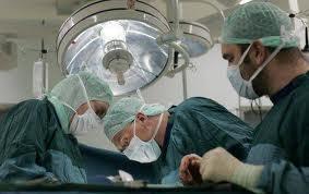 Colegiul Medicilor solicită premierului Emil Boc, printr-o scrisoare deschisă, deblocarea posturilor din sănătate
