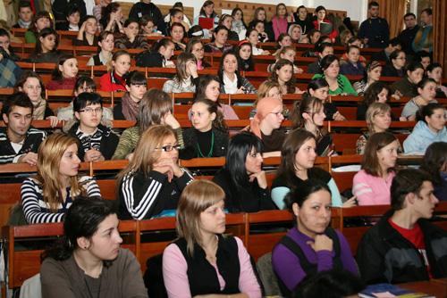 Rectorii universităţilor tîrgumureşene s-au întâlnit azi cu reprezentanţii autorităţilor publice pentru a discuta despre înfiinţarea unei universităţi metropolitane.