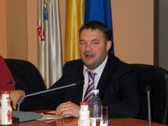 Primăria  Braşov a alocat bani pentru izolarea termică a unor unităţi şcolare .