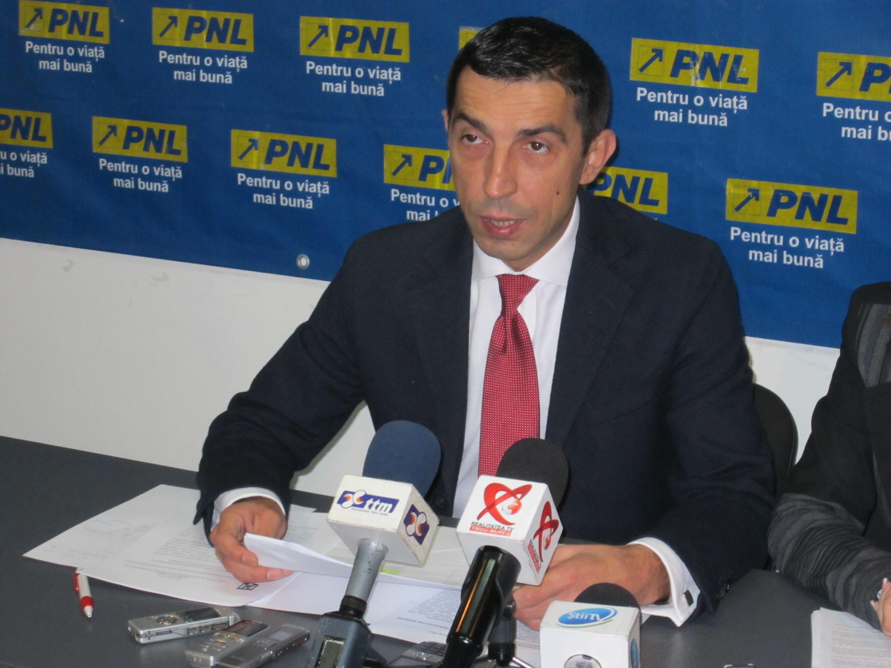 Deputatul PNL de Mureş, Ciprian Dobre, critică ordonanţa de Guvern privind plata eşalonată a sumelor obţinute prin hotărâri judecătoreşti.