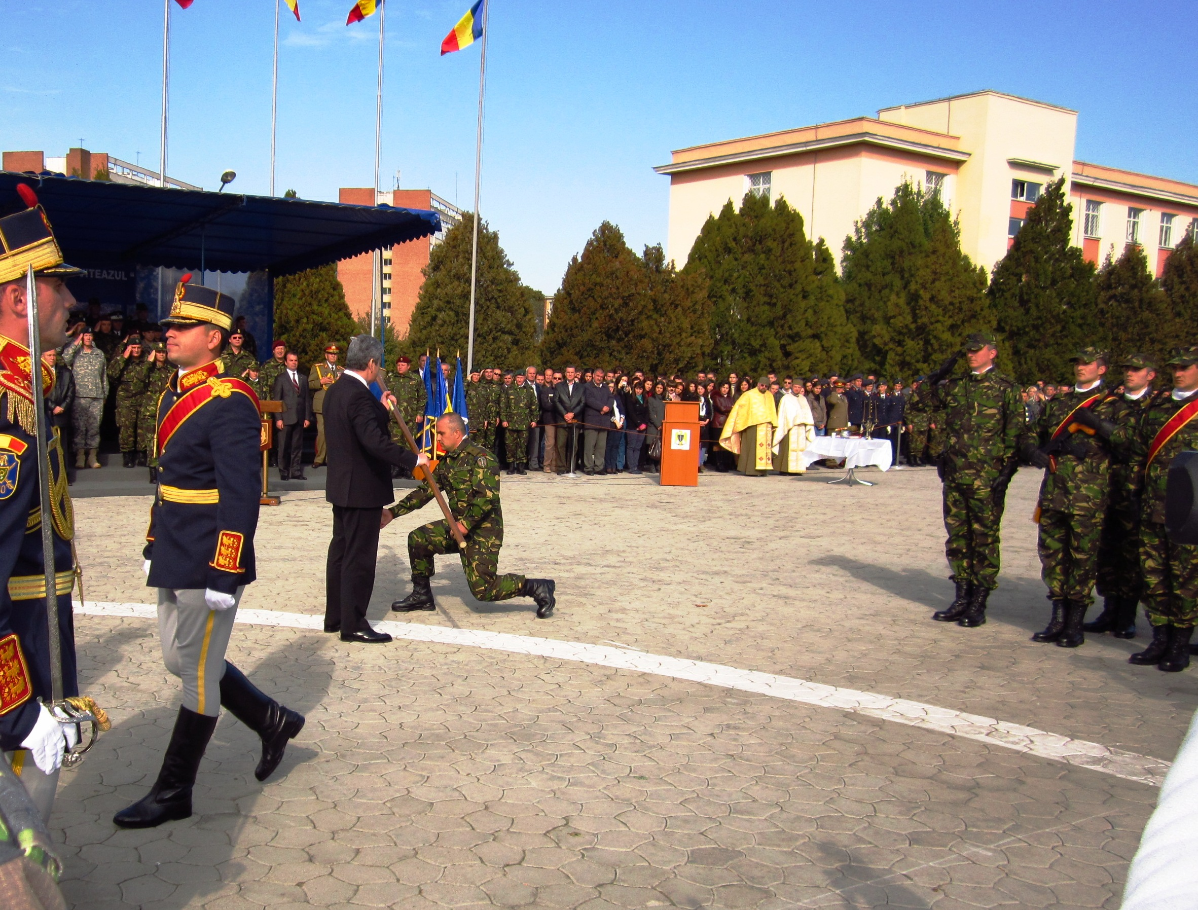 """Regimentul 1 operaţii speciale din Tîrgu-Mureş s-a transformat în Brigada 6 operaţii speciale """"Mihai Viteazu""""."""