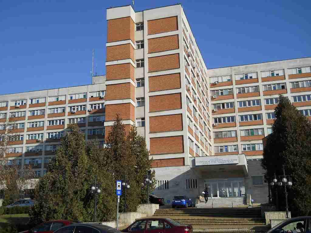 CJ Mureş va găsi, în circa două luni, mijloacele de reabilitare a parcării din apropierea Spitalului Clinic Judetean Mureş.