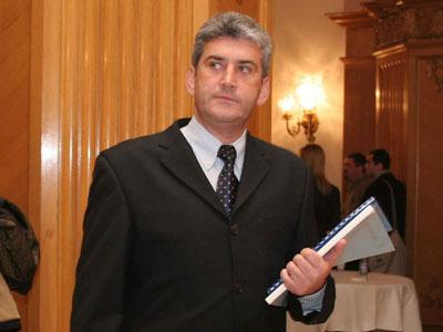 Ministrul Apărării Naţionale, Gabriel Oprea, a declarat, astăzi, că bugetul pentru Apărare pe anul 2012 nu poate fi 2,38% din PIB, aşa cum a cerut ministerul.
