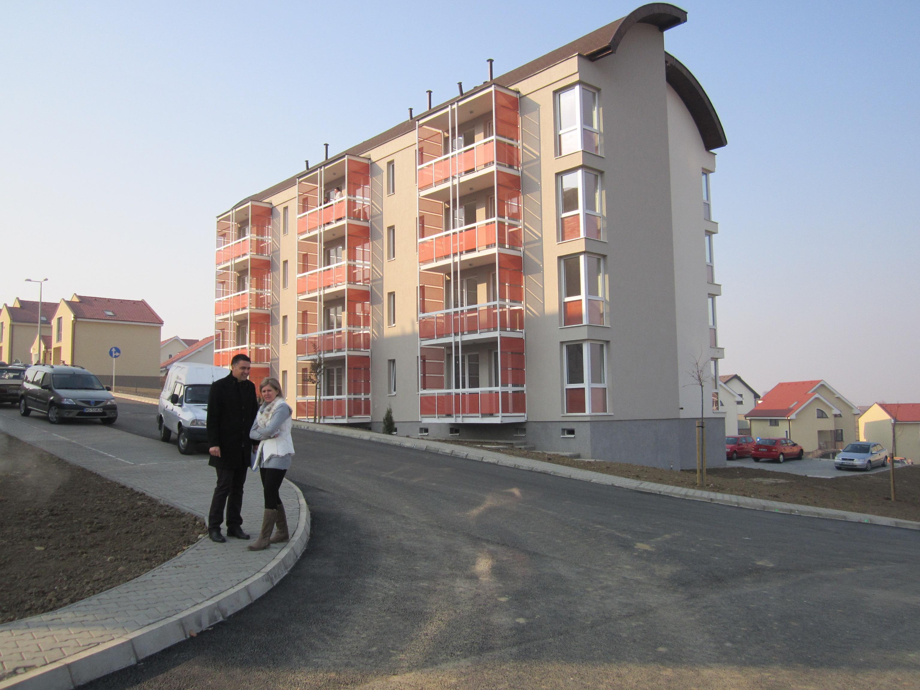 40 de familii din Tîrgu-Mureş au primit astăzi locuinţe în noile blocuri ANL din Cartierul Belvedere.