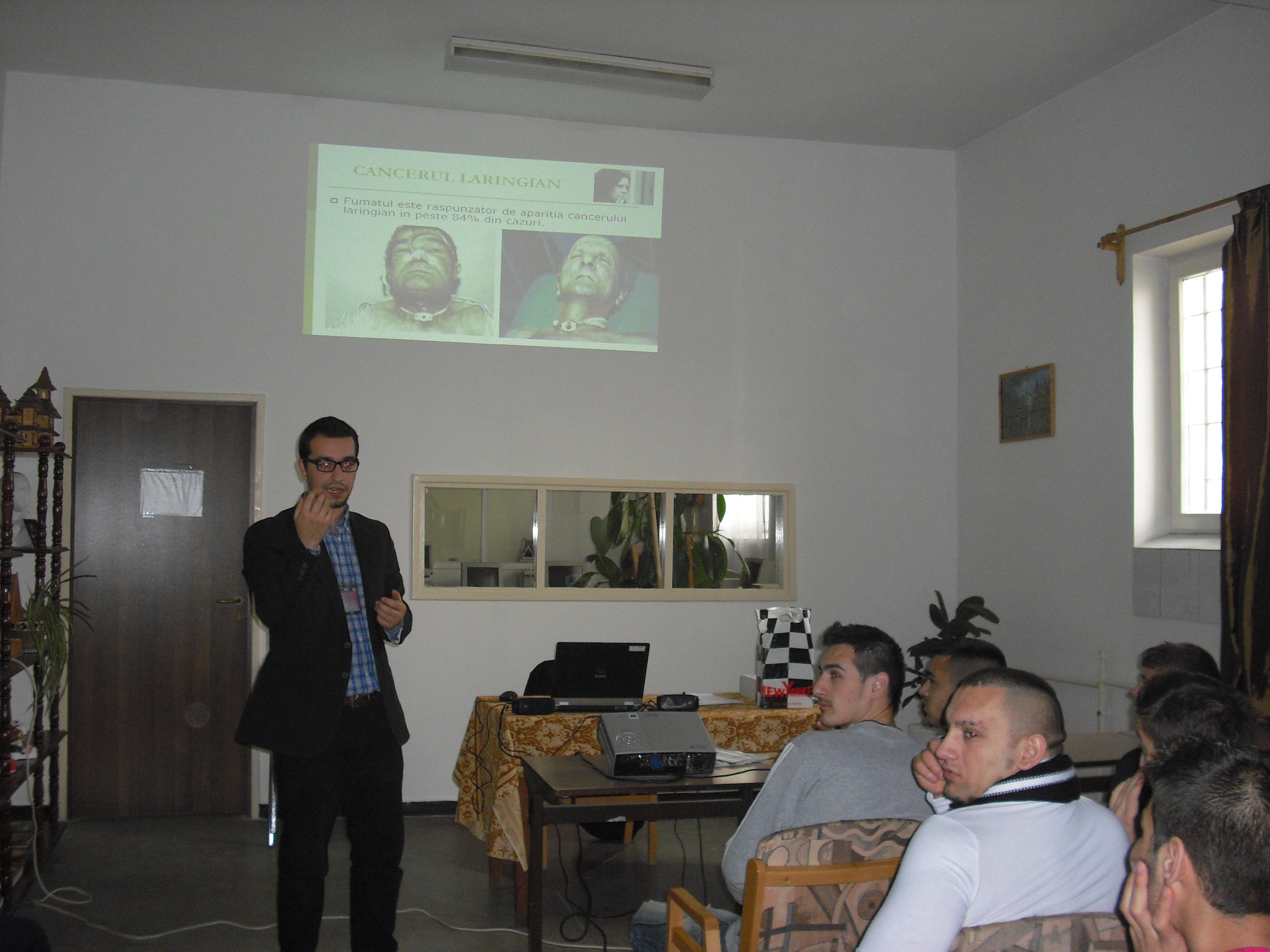 Astăzi s-a desfăşurat, la Tg. Mureş, o campanie anti-fumat printre tinerii din Penitenciar.