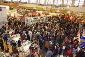 Târgul Internaţional de Carte Gaudeamus, organizat de Radio România, a programat pentru astăzi peste 100 de evenimente în pavilionul central de la Romexpo, stabilind şi un record de vizitatori, peste 35 de mii de persoane