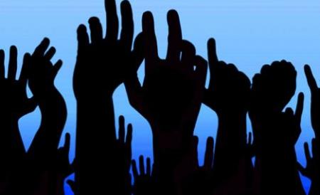 Politicienii mureşeni au păreri împărţite în privinţa protestelor din ultimele zile.