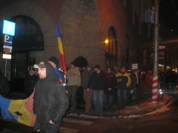 USL n-are ce să caute la protestele din stradă.