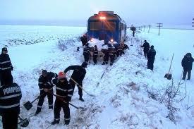 Din cauza zăpezii, nu este recomandată nici călătoria cu trenul, astăzi şi mâine
