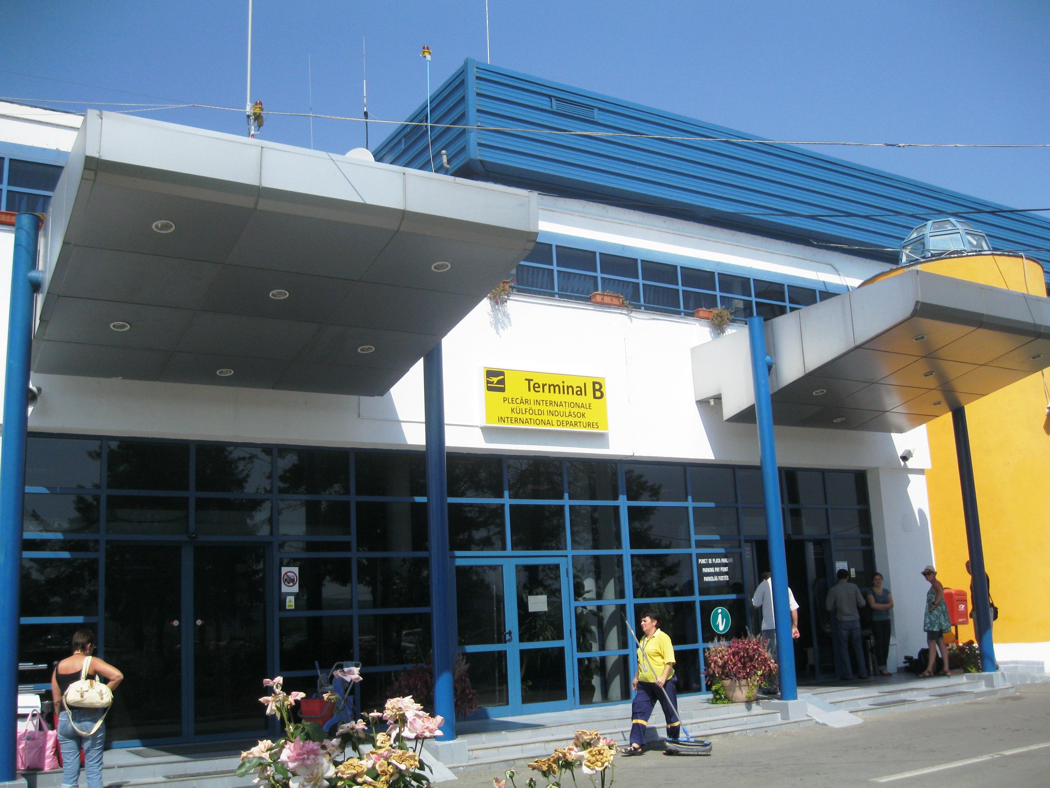 Conducerea Aeroportului Tg Mureş, în conflict cu sindicatul regiei.
