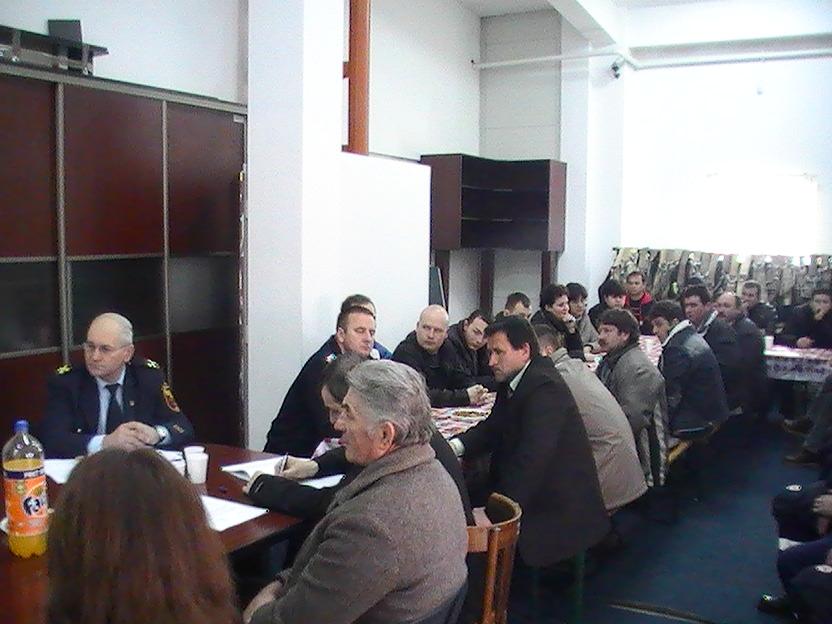 Zeci de locuitori din Acăţari au devenit voluntari ISU.