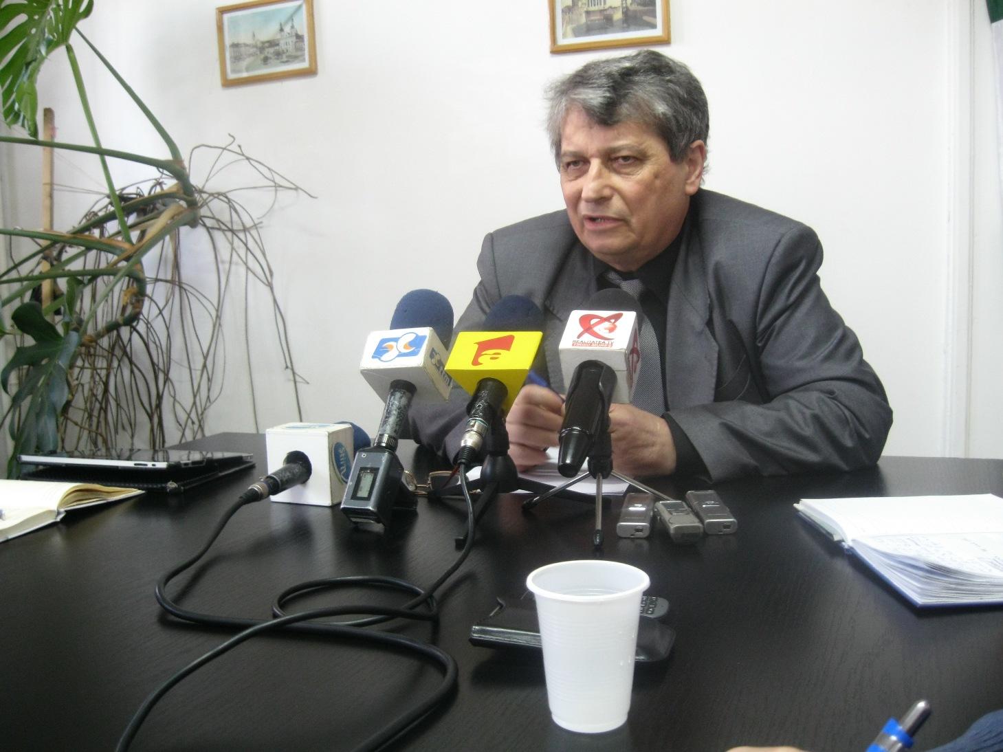 Banii pentru sport sunt folosiţi în detrimentul înfiinţării liniei maghiare de la UMF Tg Mureş.
