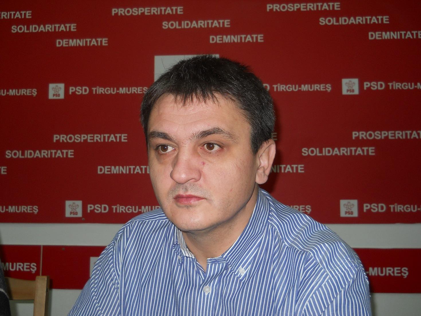 PSD Mureş îi cere demisia primarului Dorin Florea din cauza eşecului politic şi administrativ în problema UMF Tîrgu Mureş.