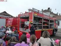 """În săptămâna de """"Şcoală altfel"""" copiii din Braşov au preferat pompierii"""