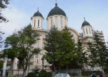 """""""Cetăţeni de onoare al comunităţii româneşti"""", la Sf. Gheorghe."""