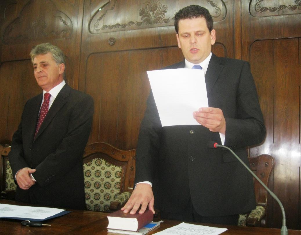 Judeţul Mureş are subprefect nou iar prefectul de Mureş a fost eliberat din funcţie.