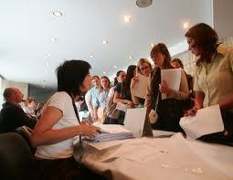 Aproape 170 de absolvenţi de liceu din Covasna cer ajutor de şomaj