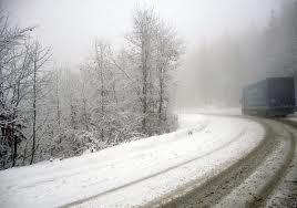 În judeţul Covasna nu sunt drumuri blocate din cauza ninsorilor
