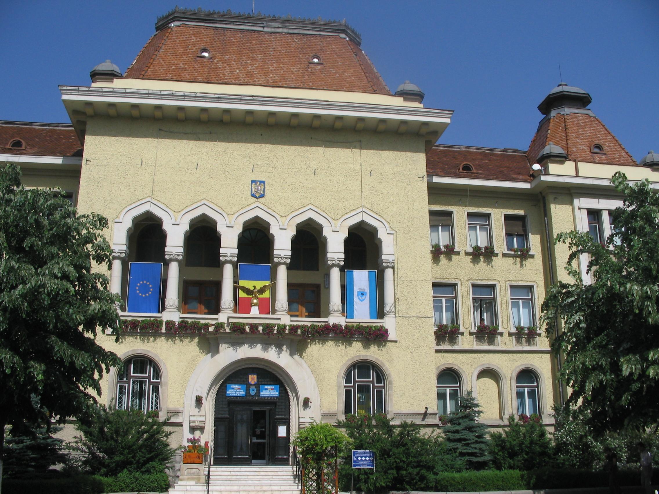 Primăria Tîrgu-Mureş a deschis ghişeele pentru taxe