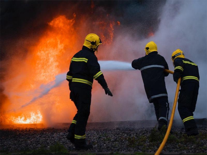 Un bătrân din Harghita a murit şi soţia lui a fost grav rănită, într-un incendiu care le-a cuprins ieri locuinţa