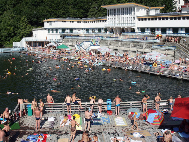 Staţiunile turistice sunt defavorizate la calculul pentru reechilibrarea bugetelor locale