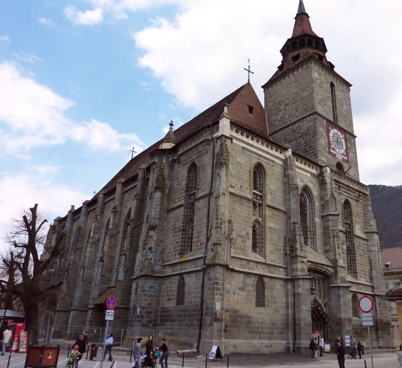 Începe stagiunea estivală la Biserica Neagră