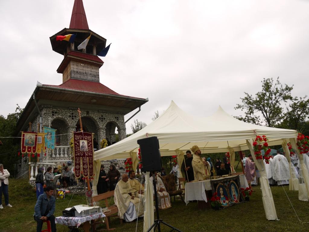 Maica Sfântă a fost cinstită astăzi şi la Grădina Mănăstirii din Chiheru de Jos, jud. Mureş