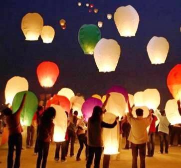 Harghita: Moda lansării lampioanelor poate fi riscantă!
