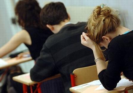 260 de elevi din judeţul Mureş au pierdut astăzi bacalaureatul