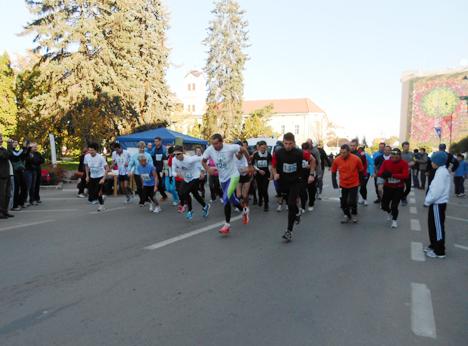 Elevii claselor V-VIII din Miercurea Ciuc şi din localităţile învecinate sunt invitaţi să participe, mâine, la un concurs de alergare