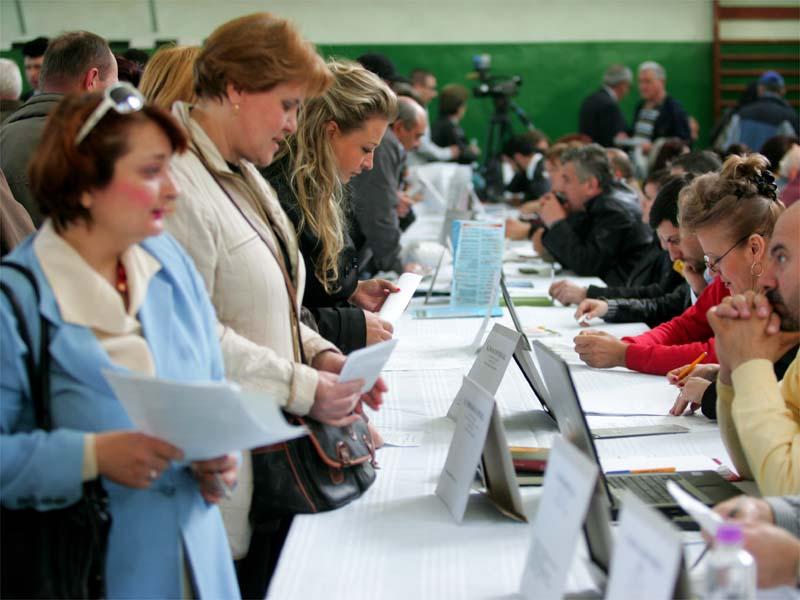 Patru persoane au fost angajate pe loc şi alte aproximativ o sută au şanse de angajare