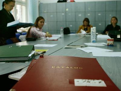 Inspectoratul Şcolar Judeţean Mureş scoate la concurs aproape 160 de posturi vacante