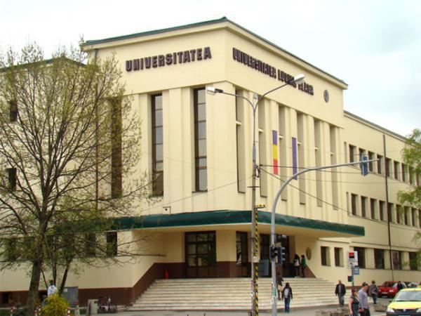 Studenţii şi profesorii Universităţii 'Lucian Blaga' din Sibiu, în grevă japoneză