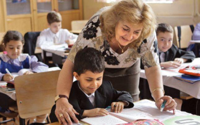 50 de cadre didactice din judeţul Mureş vor primi certificatul de expert în management educaţional