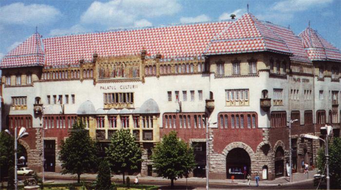 Palatul Culturii din Tg.Mureş va fi iluminat festiv în această seară