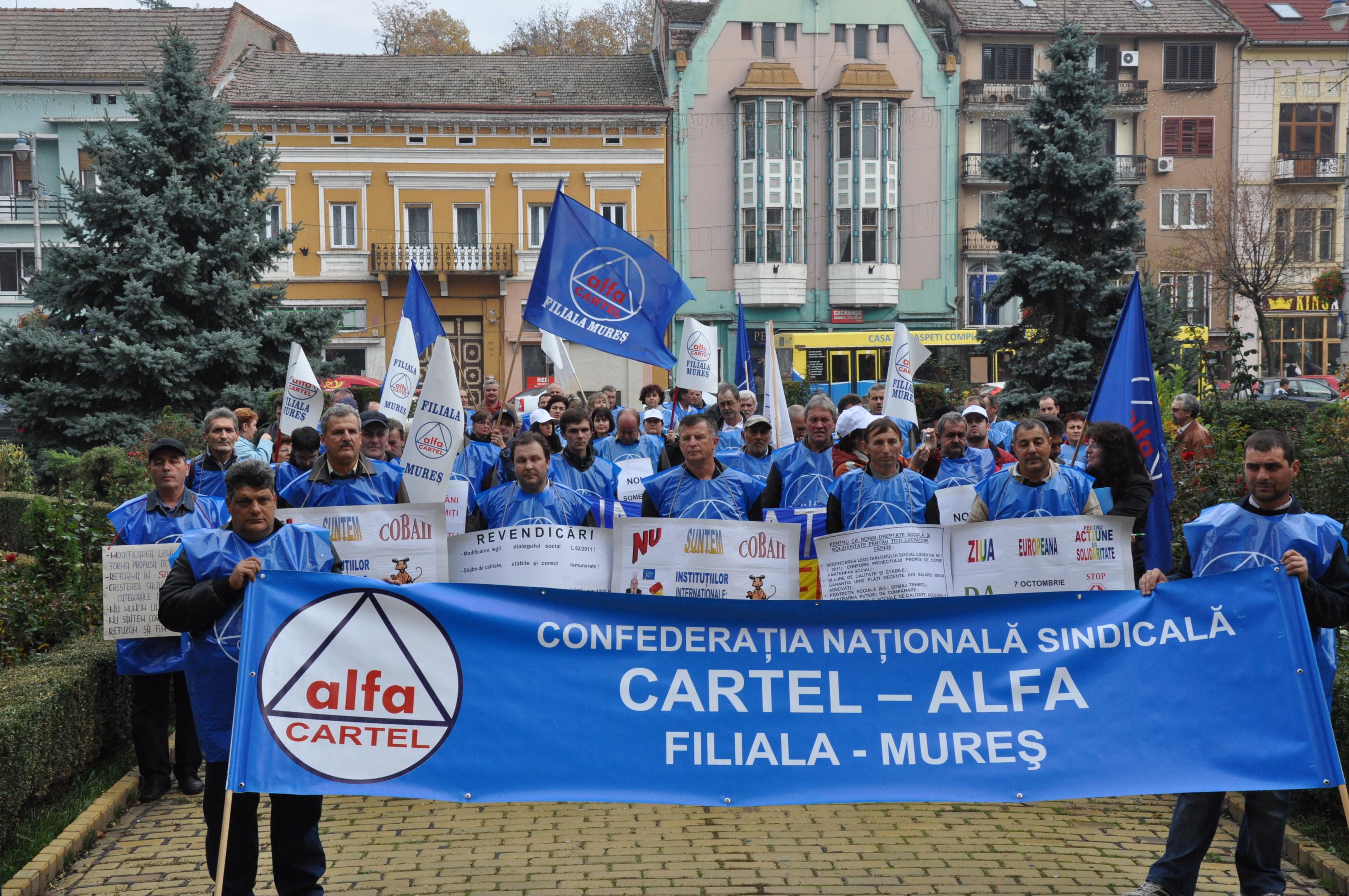 """""""Cartel Alfa"""" a pichetat, astăzi, din nou, sediul Prefecturii Mureş"""
