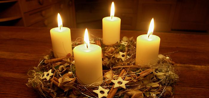 Prima lumânare din calendarul de advent a fost aprinsă aseară la Sf.Gheorghe
