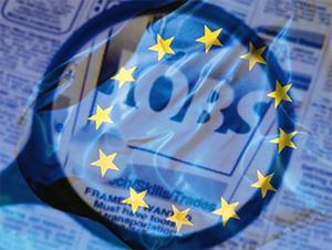Astăzi, la 7 ani de la aderarea la blocul comunitar, românii şi bulgarii pot lucra liber în toate ţările UE, după ce ultimele state membre au renunţat la restricţiile impuse pe piaţa muncii cetăţenilor români şi bulgari