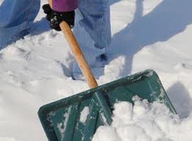 26 de târgumureşeni au fost amendaţi, în ultimele două zile, pentru că nu şi-au curăţat trotuarele de zăpadă