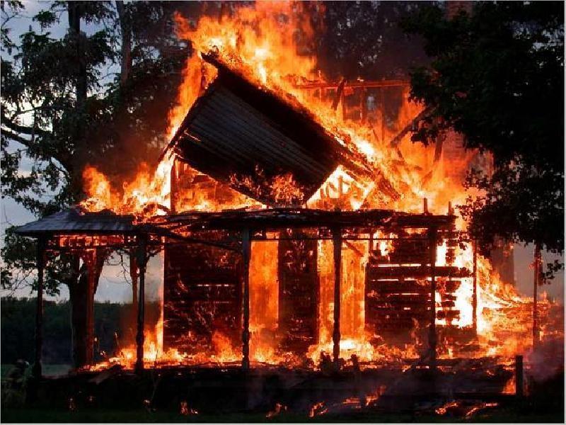 Incendiile din judeţul Mureş au scăzut cu 23% în anul 2013 faţă de anul precedent
