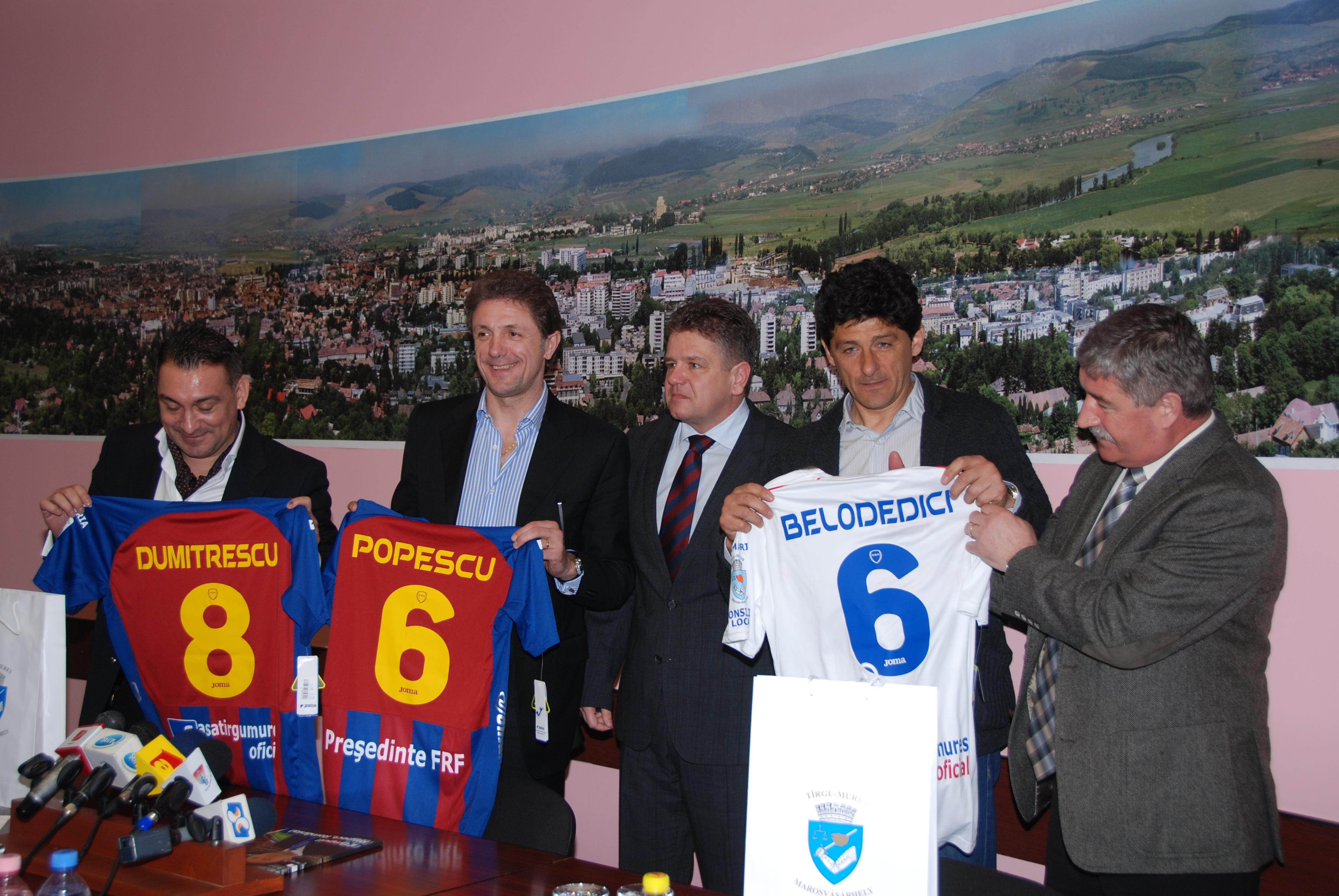 Gică Popescu şi-a prezentat la Tg. Mureş obiectivele pentru şefia FRF