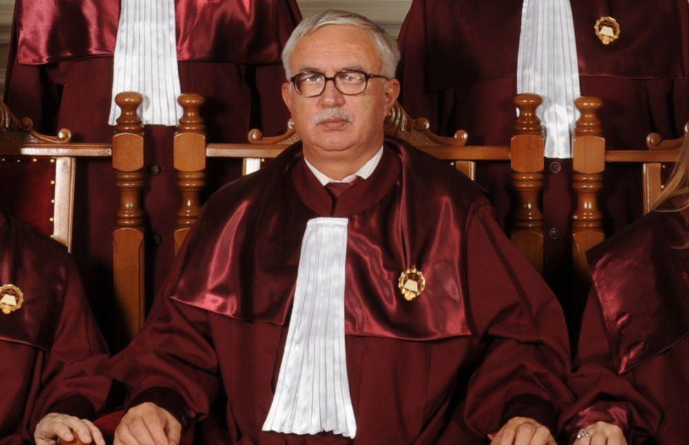 Şedinţa Curţii Constituţionale pentru analiza proiectului de revizuire a Constituţiei s-a încheiat