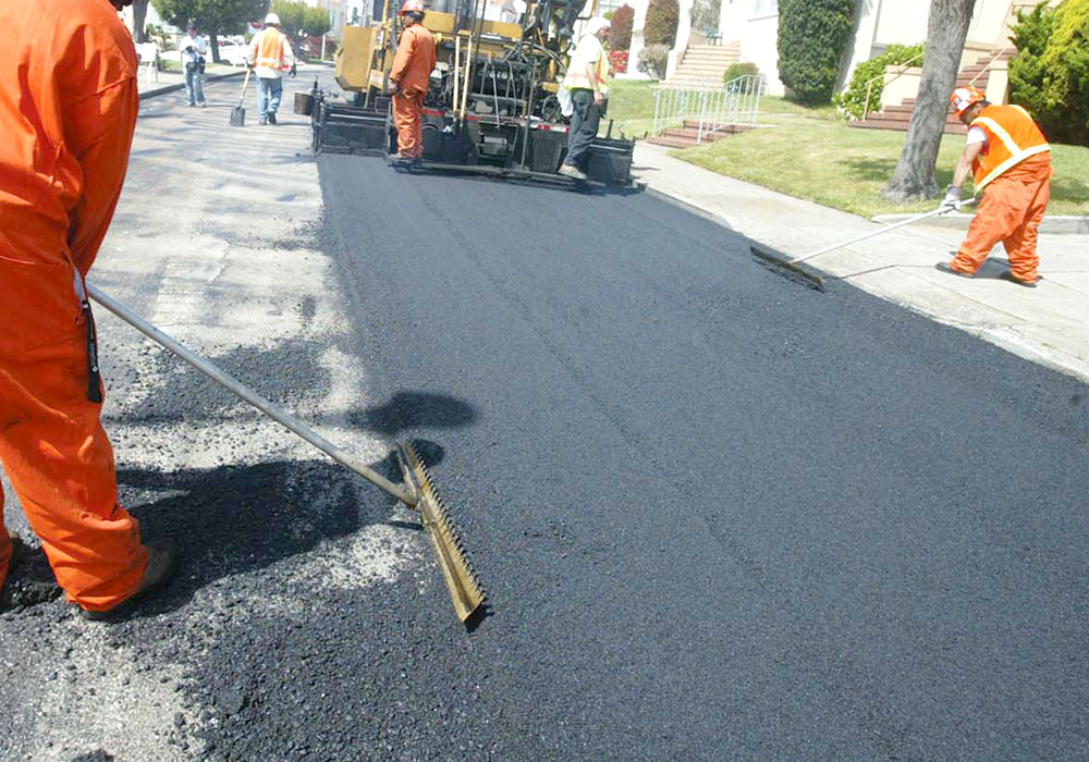 Odată cu sosirea primăverii, Primăria Tîrgu-Mureş reabilitează şi repară mai multe străzi şi parcuri