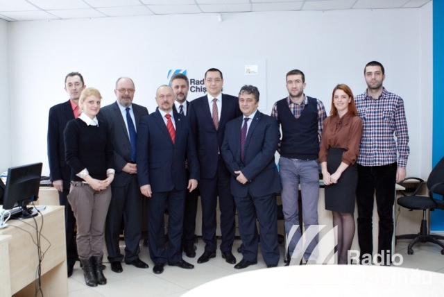 """Victor Ponta: """"Radio România este cel mai credibil şi ascultat post de radio"""""""