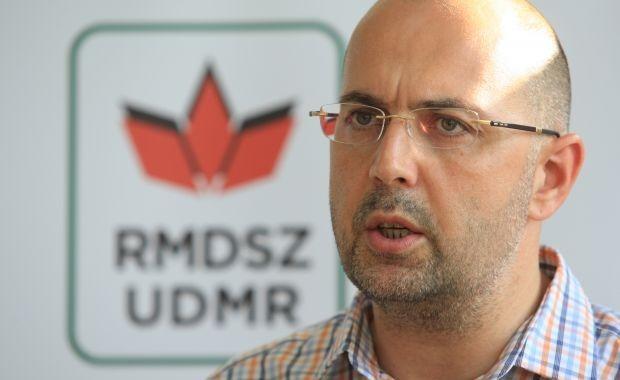 UDMR nu a fost contactată de nici una dintre formaţiunile membre ale USL pentru a intra la guvernare, iar toate informaţiile publicate pe această temă sunt zvonuri, a declarat la Cluj preşedintele UDMR, Kelemen Hunor